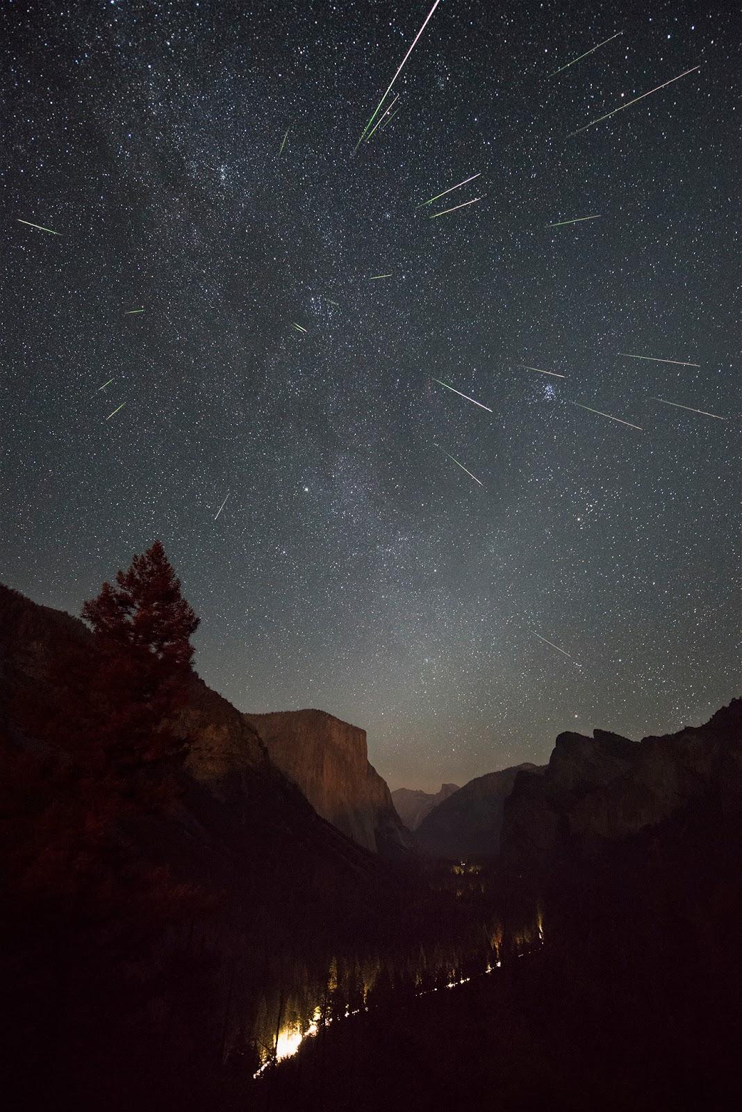Đêm của mưa sao băng Perseid ở Yosemite. Tác giả: Mike Shaw.