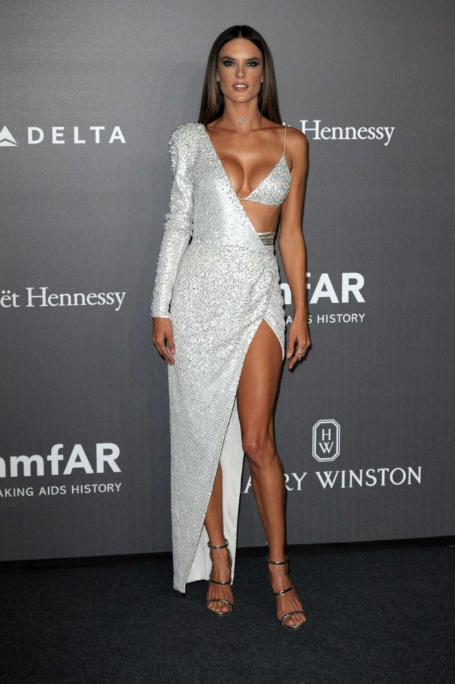 Alessandra Ambrosio Looks Hot In Shimmering Outfit