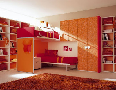 the-bedroom-design-ideas-with-white-orange-color-theme-combine-with-laminated-wooden-floor-and-brown-fur-rugs-hairy-also-bunk-bed-with-pink-covered-bedding-sheets-also-pillows-combine-with-orange