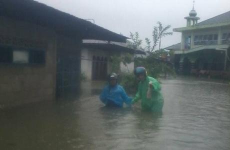 Hujan Semalam Berujung Banjir, Wako Mahyeldi Bantah Padang Lumpuh Total