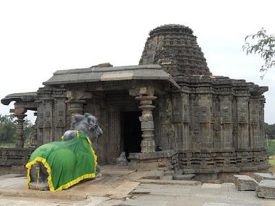 Doddabasappa Temple Dambal Karnataka