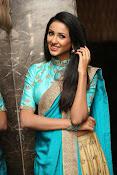 Priyashri sizzling at Majnu audio-thumbnail-12