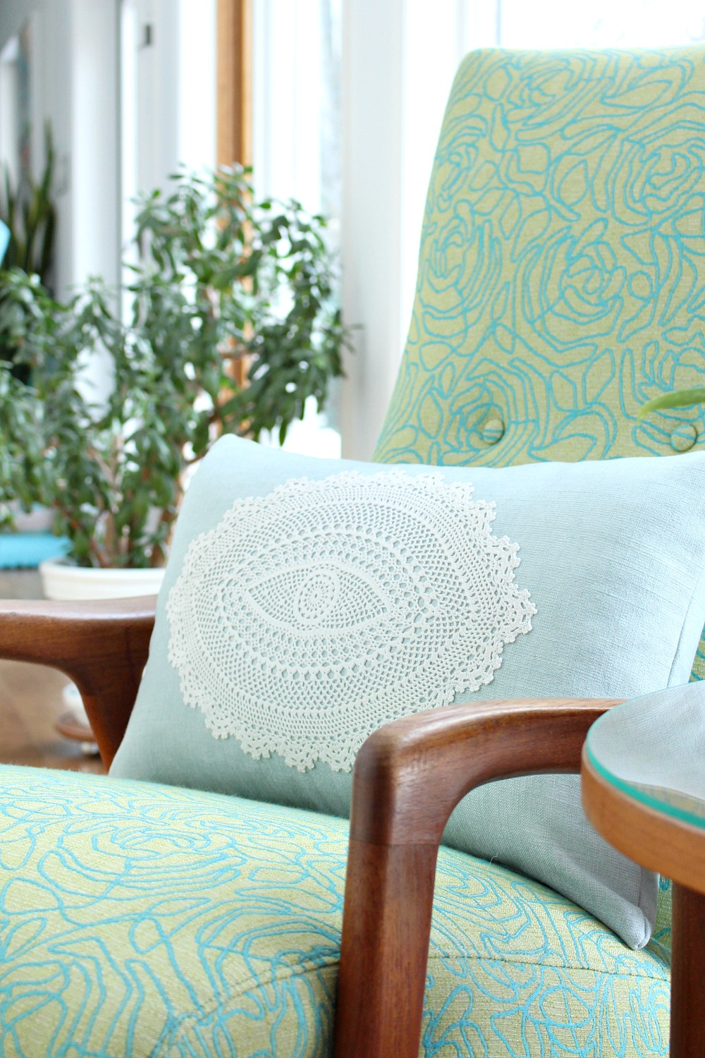How to make a doily throw pillow