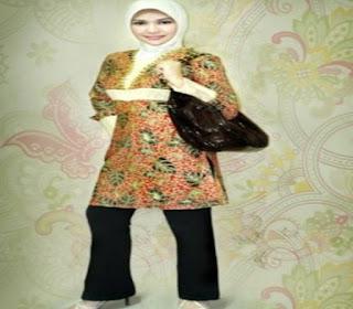 Model Atasan Batik Wanita Muslimah Terbaru
