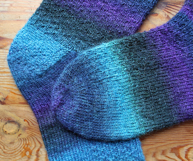 The Butterfly Balcony: Knit It - Star Trek Socks Knitting Pattern