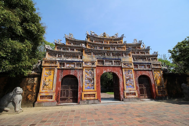 Family Tours in Hue 3