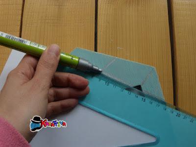 disegnare effetti geometrici con riga e pennarello acrilico