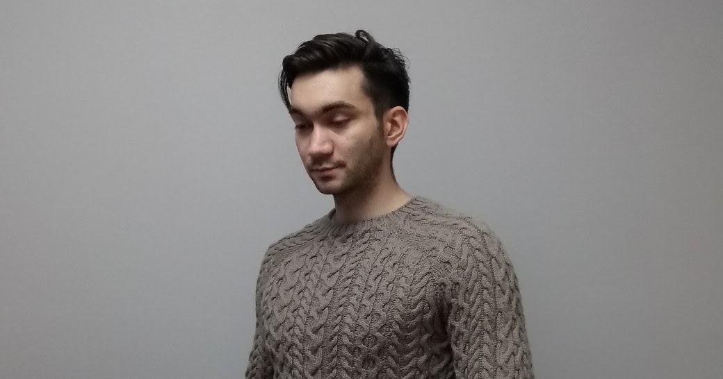 Мужской свитер косами, реглан-погон  от горловины.