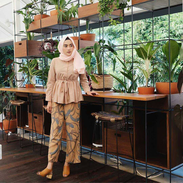 model celana kulot wanita kekinian yang dipadukan dengan fashion hijabers