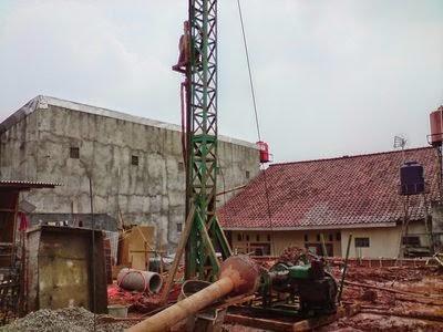 Bor Pile mini crane