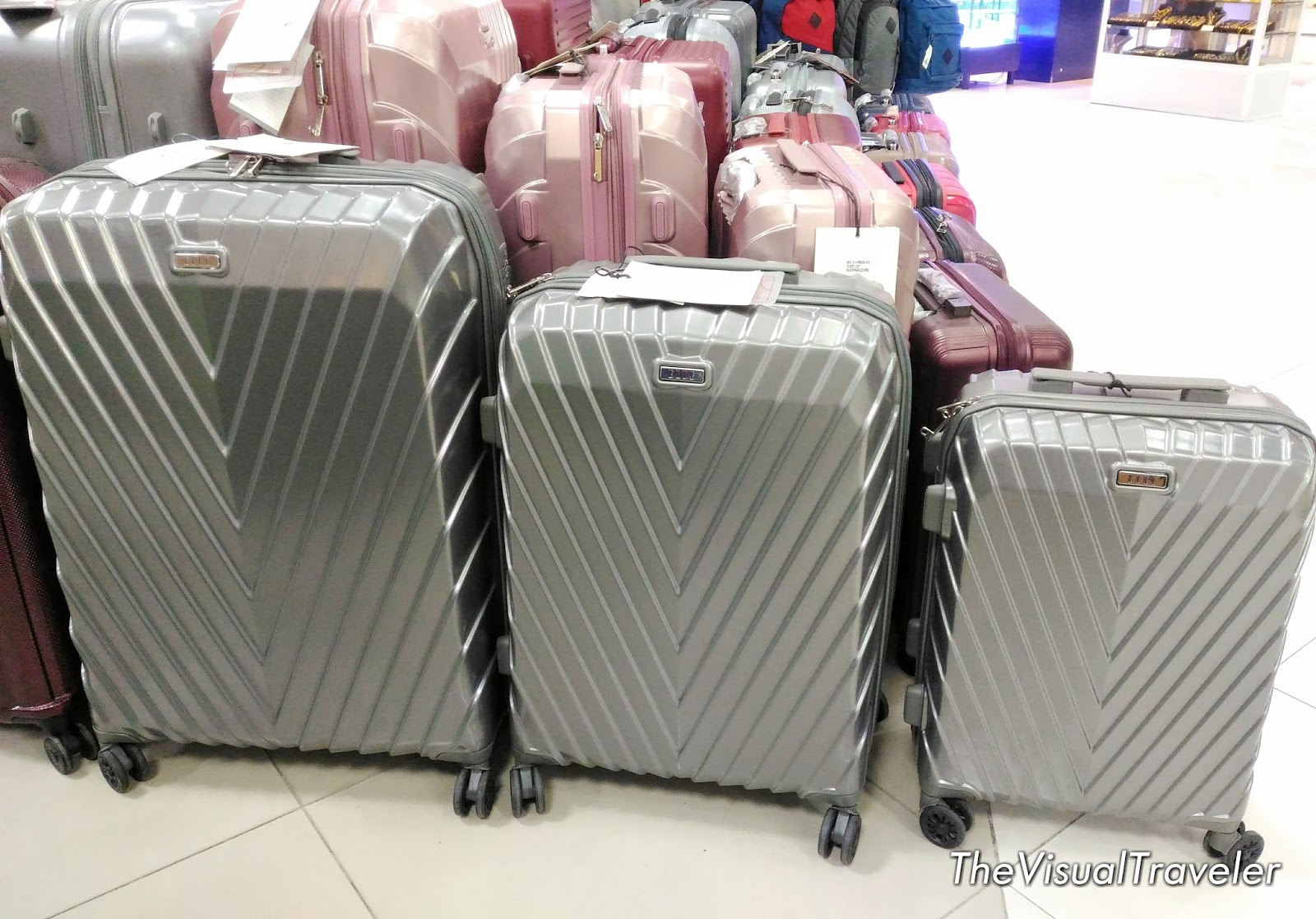 How to Choose Your Luggage at the Travel Gear Sale of ...