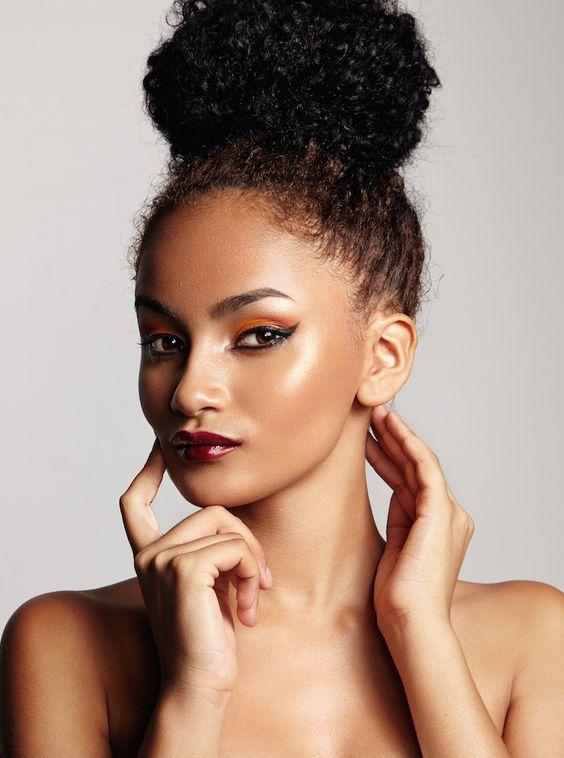 Más cautivador peinados para pelo rizado Fotos de cortes de pelo Ideas - La moda en tu cabello: Peinados con moño para el cabello ...