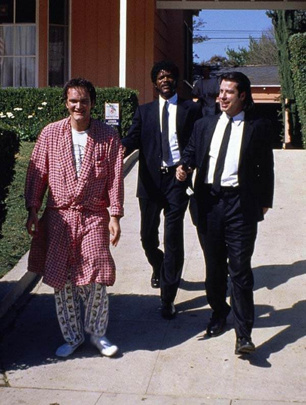 60 Iconic Behind-The-Scenes Pictures Of Actors That Underline The Difference Between Movies And Reality - Dangerous killers, or some relaxed pals from Pulp Fiction.