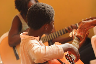 Cara Belajar Gitar Untuk Pemula Lengkap Secara Otodidak