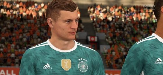طقم منتخب المانيا الاحتياطي كامل محدث 2018 لفيفا 18