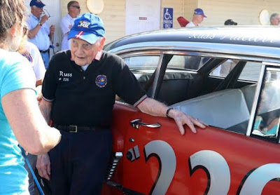 Russ Truelove talks with fans before the annual Legends Car Parade (Feb. 2018)