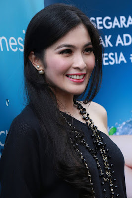Sandra Dewi - Clear rambut indah hitam model artis cantik