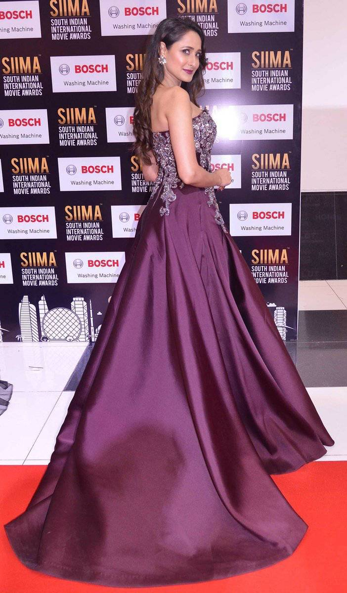 Actress Pragya Jaiswal Photos At SIIMA Awards 2017