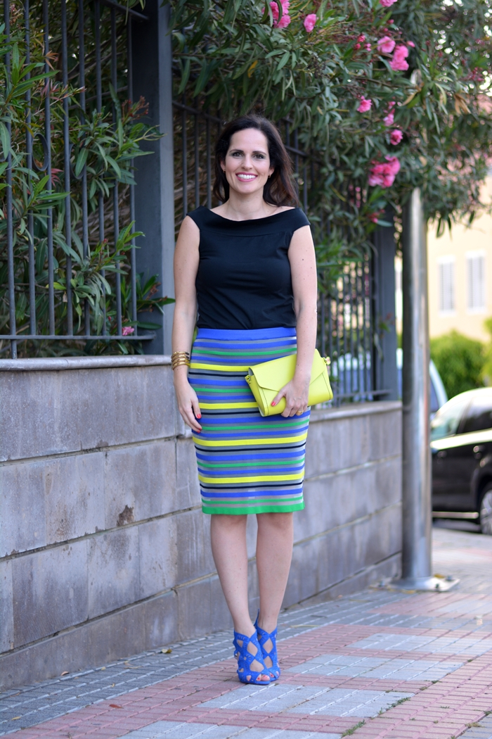zara-sandals-pencil-skirt-neon-bag-outfit