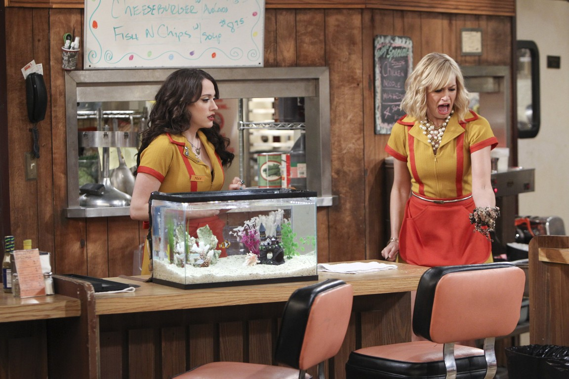 2 Broke Girls - Season 4 Episode 03: And the Childhood Not Included