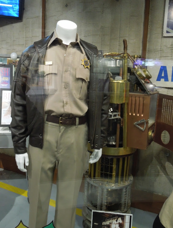 Colin Ferguson Eureka Sheriff Jack Carter uniform