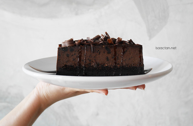 Brown Belgium Chocolate Cake (RM14.00)