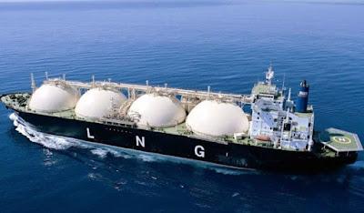 Pengangkutan LNG melalui laut.