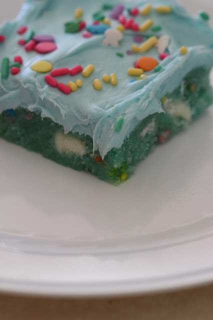 Tortillas And Honey Cotton Candy Cake Bars