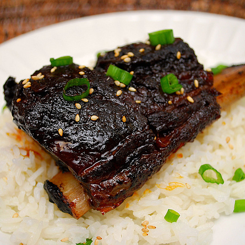 The BEST Instant Pot Ribs for a Finger Licking Dinner [featured on SlowCookerFromScratch.com]