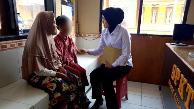 Guru SD di Garut Aniaya Murid karena Tak Kerjakan PR
