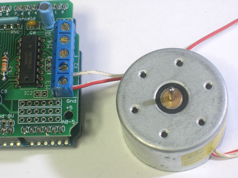 Arduino Playground - DCMotorControl