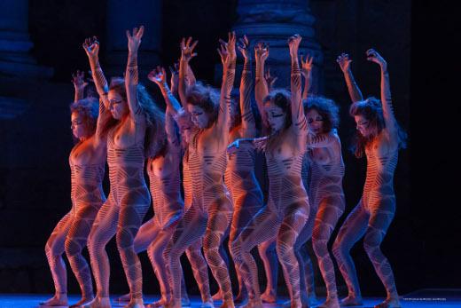 El festival Sagunt a Escena continúa este fin de semana con uno de los platos fuertes de su programación, 'Las amazonas', que se verá en el teatro Romano de Sagunto los días 17 y 18 de agosto.