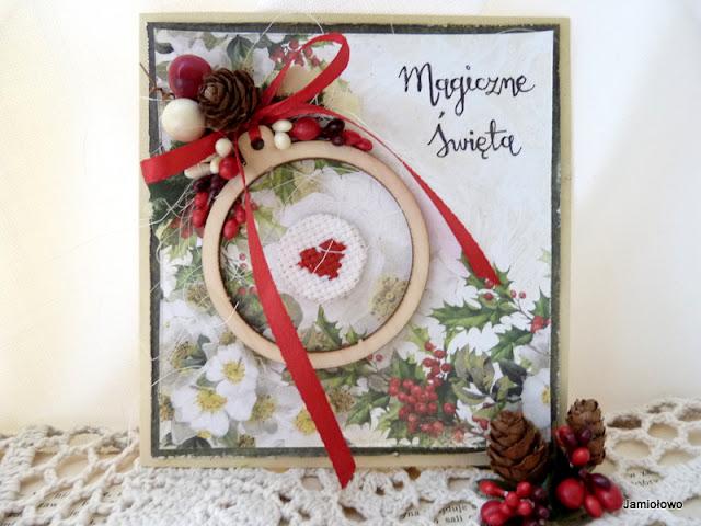 kartka na Boże Narodzenie z bombką i haftowanym sercem