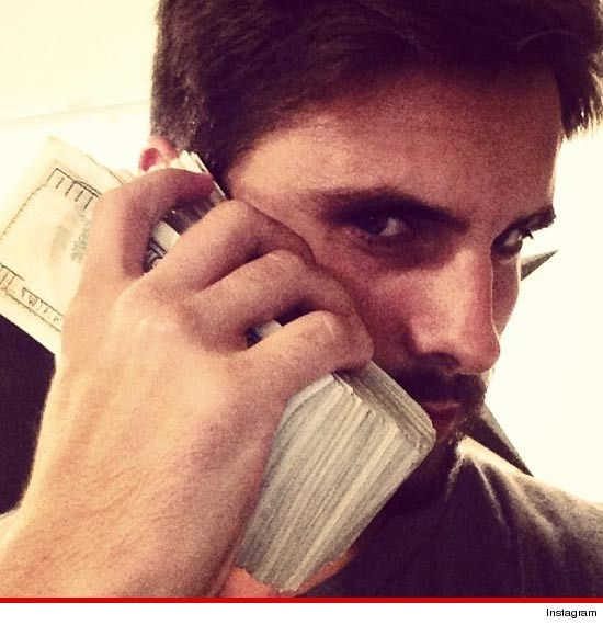 RealFlowz: Photos: Kourtney Kardashian's Man Scott Uses