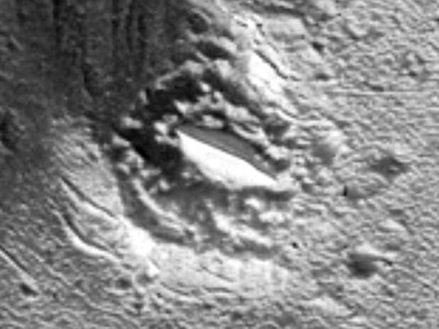 UFO crashed into a crater on Mars?