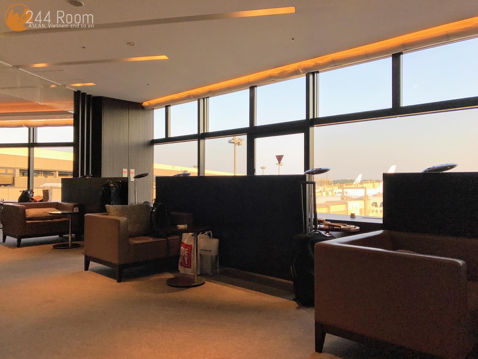 JALファーストクラスラウンジ Firstclass-lounge-narita2