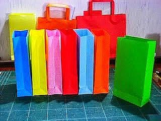 งานพิเศษพับถุงกระดาษ เพื่อผู้ต้องการหารายได้เสริม สามารถรับงานฝีมือทําที่บ้าน ยินดีแนะนำผู้ที่อยากมีรายได้พิเศษ ทำช่วงเวลาว่าง