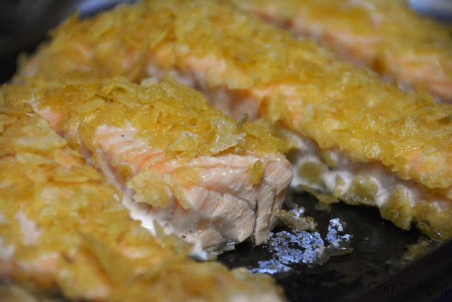 סלמון עסיסי עם תפוצ'יפס פסח passover salmon with potato chips
