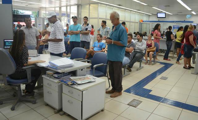Agora é Lei! Clientes que ficarem mais de 30 minutos em fila de banco de Rondônia podem receber mais de R$ 1 mil reais por danos morais!
