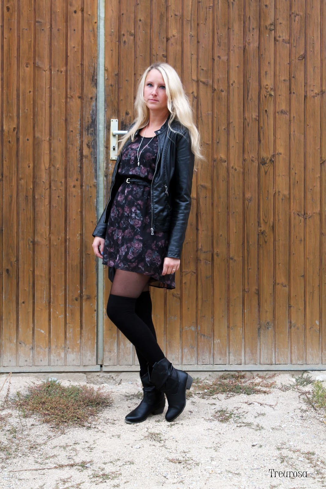 treurosa outfit wie kombiniere ich overknee str mpfe. Black Bedroom Furniture Sets. Home Design Ideas