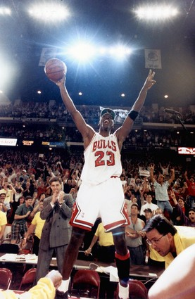 DAR Sports: What If Jordan Never Retired In 1993? - DefineARevolution.com