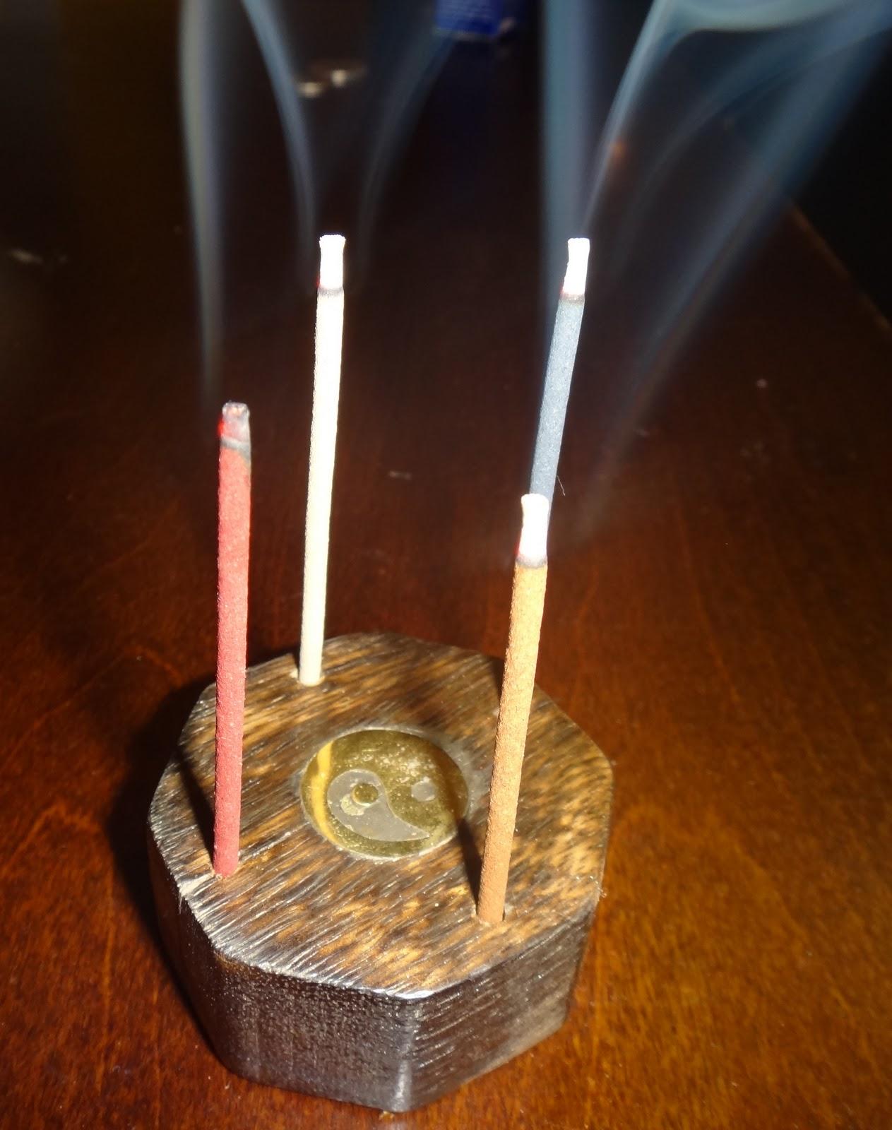 My Perfume Diaries: Burning Incense