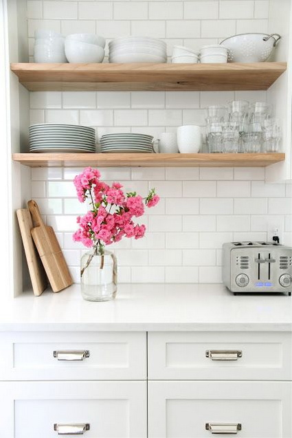 Advantages of open shelves in kitchens 3