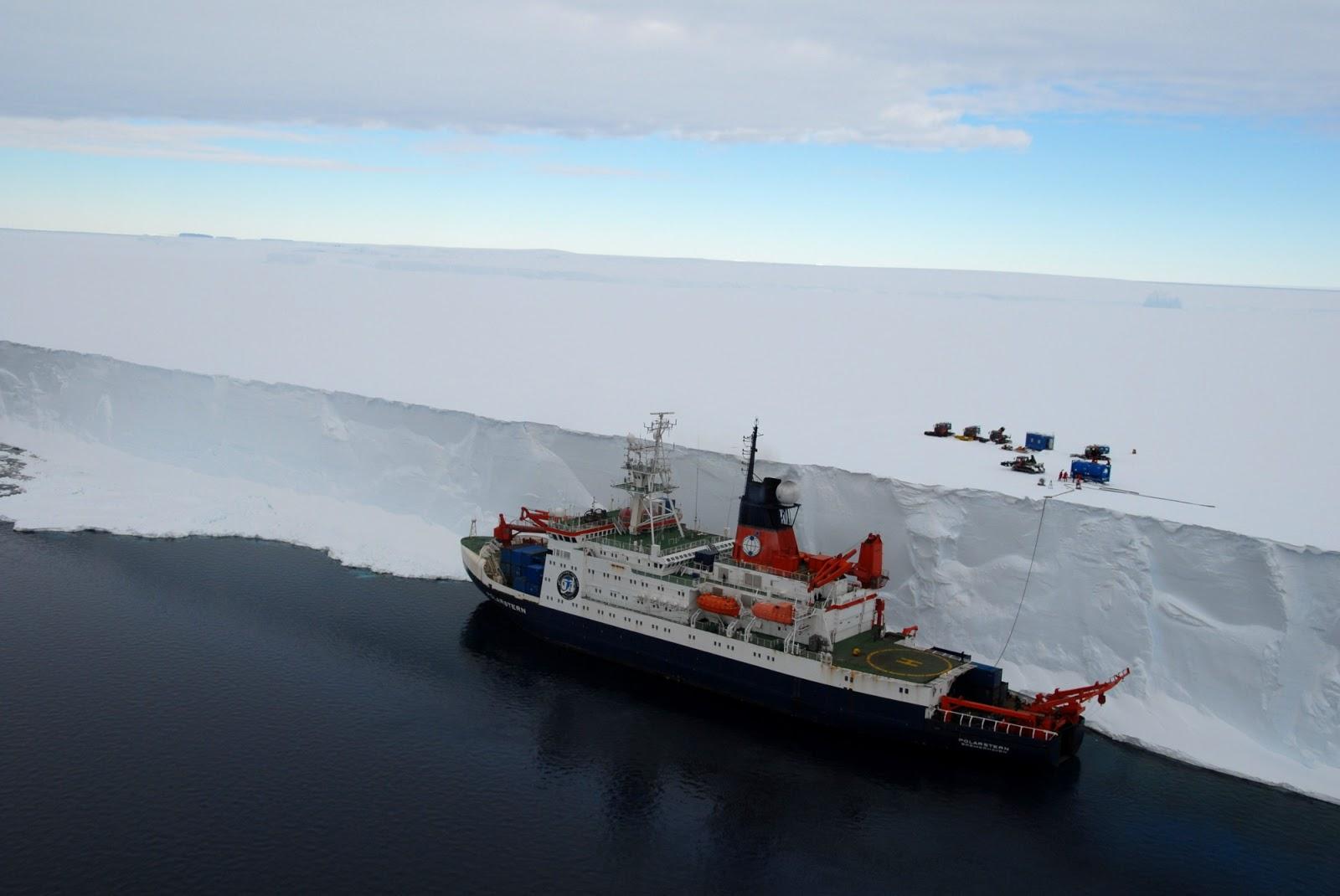 Escalando os paredões de gelo da Antártida
