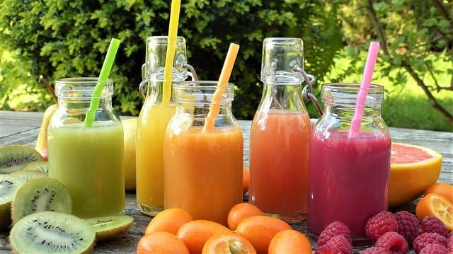 Konsumsi jus buah, tak kalah segar dari minuman bersoda lho