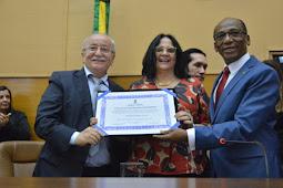 Ministra Damares Alves recebe Cidadanias Sergipana e Aracajuana