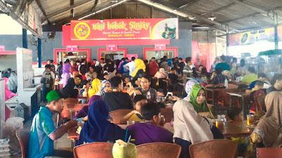 Rumah Makan nasi Bebek Sinjay di Bangkalan Pulau Madura.