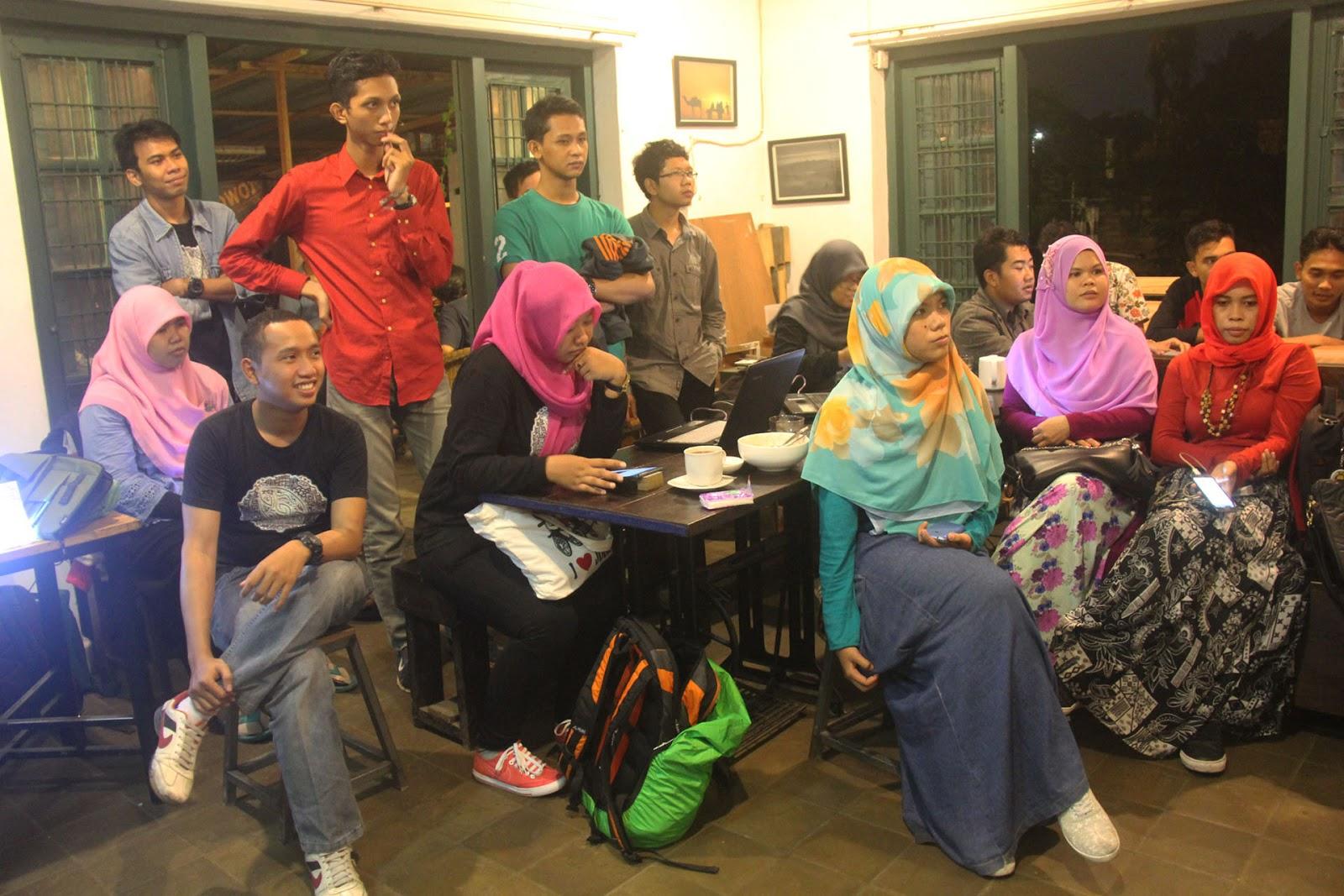 Durian November - Belajar Public Speaking untuk Blogger