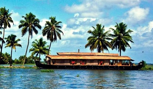 Top 10 Places In India To Explore - Kerala