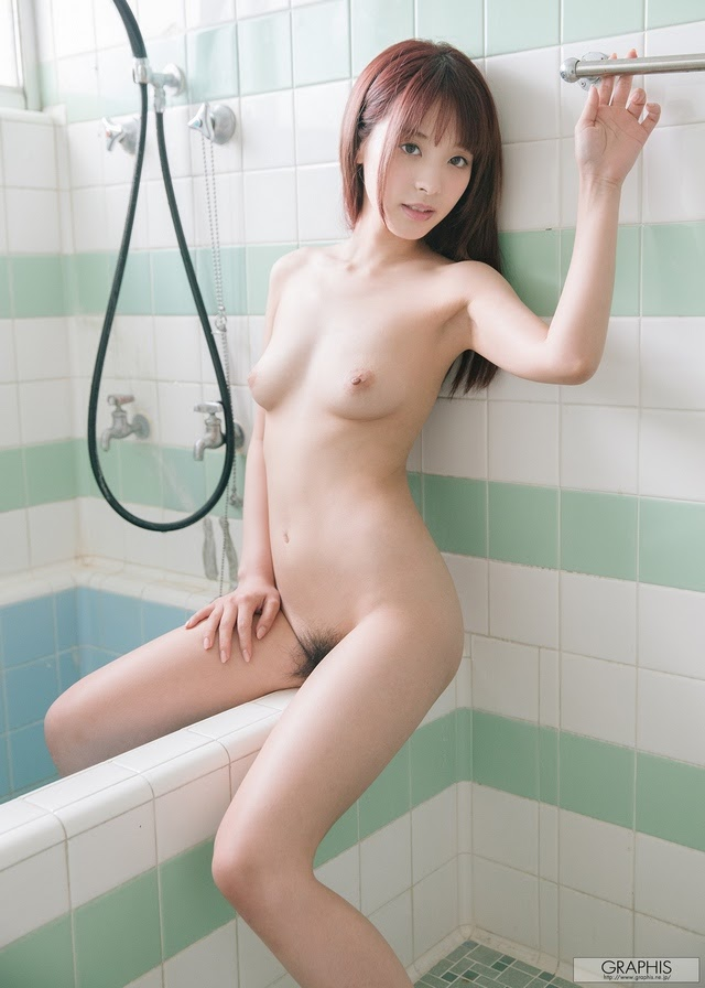 [Graphis] Kana Momonogi - In a Dream 1591739940_kana-momonog